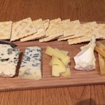 フジマル食堂 - チーズの盛り合わせ5種