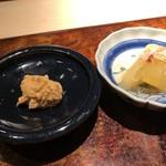 菊鮨 - 余市の鮟肝と数の子・・お酒がすすむ品