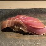 菊鮨 - 鮪(天草)・・いい脂を感じ美味。