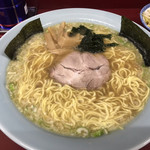 東港ラーメンショップ - 料理写真:ラーメン(中) ¥740