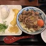丸亀製麺 - 牛すき釜玉うどん