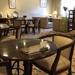 茶房 珈路 - 店内テーブル席