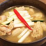 韓国の家庭料理 はなだ - タッカンマリ(2~4名)