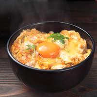 喜三郎農場 - こだわり卵と甲州地鶏で作った、夕焼け親子丼特上