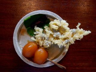 金左ヱ門 - むかご天麩羅・蒟蒻・イナゴの佃煮