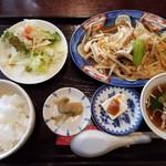 来々軒 - 野菜炒め定食(1000円)