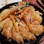 池尻大橋 黄金鉄鍋餃子 HUG - 鉄鍋餃子(こってり)