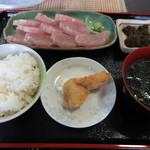 海人食堂 - 料理写真:刺身定食 800円 (2018.12)