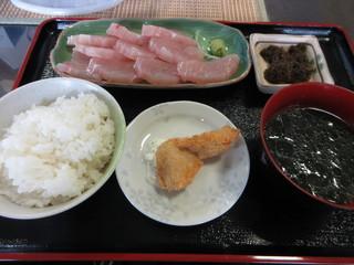 海人食堂 - 刺身定食 800円 (2018.12)