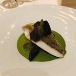 ラ・ベ - 淡白な的鯛とトリュフの濃厚な味わい。。。ゆっくりじっくりいただきました(*^◯^*)