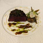 ラ・ベ - 和牛フィレはローストバターの香り高く。お肉用ナイフのカラーが選べる遊び心( ^ω^ )私はサーモンピンクに♡