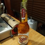 個室&メキシカンダイナー AWESOME - ソルという名前のビール。飲みやすいです。
