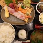 99018188 - 寿司屋のお刺身定食