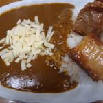 ジャンカレー - 角煮カレー(ルー増量、チーズ)