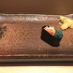 おたる政寿司 - * 頭(生ぼたんえび 2500円に含む)
