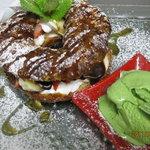 ファニーズ ベラベーラ - 苺のパリブレスト&ピスタチオのアイス添え