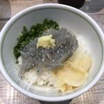 中華そば 四つ葉 - 「生しらす丼」400円