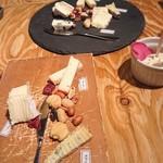 高屋町ワインバル MIROKU - チーズ盛り