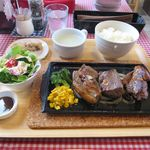 シカ肉レストラン あぷかの森 - おまかせ3種盛りステーキセット(1,620円)