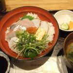 漁港直送鮮魚と地酒 くすくす - 2011/8/17 湘南海鮮丼