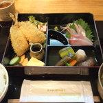 漁港直送鮮魚と地酒 くすくす - 2011/9/22 日替わり和弁当