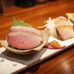 蒼天 - 料理写真:鴨とほろほろ鳥、スピチコチーズの燻製