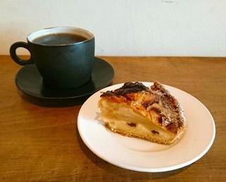 コーヒー ハット - りんごのベイクドタルト(420円)