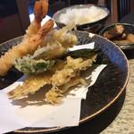 尾張那古野 天丼 徳川忠兵衛 - 天ぷらも色々種類が楽しめていいですよ