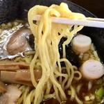99066000 - 煮干し醤油ラーメン 麺アップ