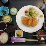 司 - トンカツ定食?