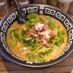 誠屋 - パクチー味噌拉麺