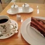 カフェ アマティ - [料理] 珈琲 & ケーキ セット全景♪w