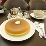 99078640 - リラックマが食べそうなホットケーキ。