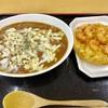 どん太郎 - 料理写真:カレーチーズうどんとエビのかき揚げ