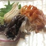 焼貝うぐいす - 活き貝3種は鳥貝、赤貝、平貝