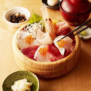 三重県産の食材と北海道の食材で作る絶品手こね寿司