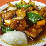泰県 - 料理写真:ボリュームたっぷり、甘酸っぱい酢豚 750円