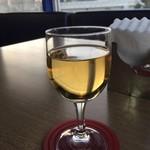 グッドラックカフェ - 2杯目は白ワインを!