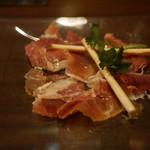 シノノメピコ - 料理写真:生ハムとグリッシーニ