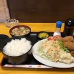 神戸一 - 料理写真:カキフライ定食をいただきました(2018.12.26)