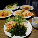 SALVATORE CUOMO & BAR - 平日ランチブッフェ 1,000円(税込):ピッツァ・パスタ・前菜・サラダ・パン