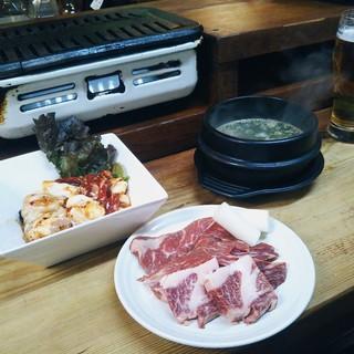 人気メニューをシェア☆食べログ限定コースは税込\3,000!