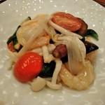 Bejichainanangokushuka - [料理] 天然海老と彩り野菜の天日塩炒め プレート全景♪w