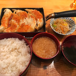 餃子や まっちゃん - 麦とろ定食5個