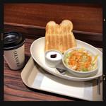 Cafe Wheel Bar - トーストセット 390円
