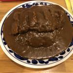 河 - 料理写真:カレー普通盛3辛チキンカツトッピング@900中盛、大盛同料金但食べ残し罰金あり。