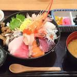 魚盛 - 魚盛 丸の内店 @大手町 ランチ 魚盛海鮮丼 税込980円