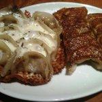 うま馬 - チーズ餃子と普通の餃子