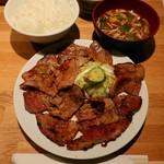 99116046 - 肉大盛り定食(和豚)税込830円