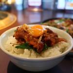 焼肉居酒家 韓の台所 - プルコギオンザライス
